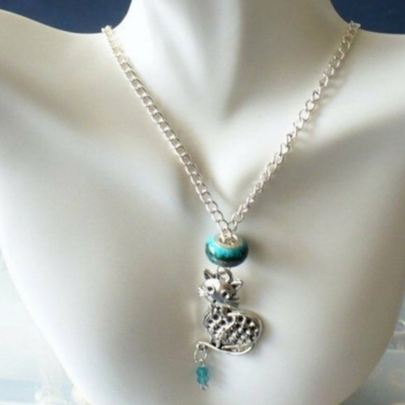 ❤️NEW Cat Necklace Silver Kitty Charm & Teal Beads